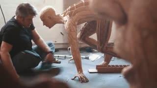 مردی که با زباله ها مجسمه های بی نظیری خلق میکند