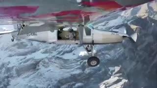 پرش از کوه و سوار هواپیما شدن در اسمان!!