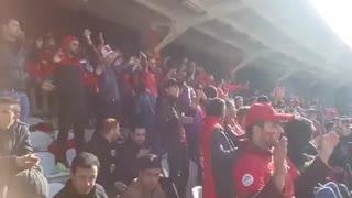 تشویق زیبای هواداران پرشور تیم تراکتورسازی تبریز