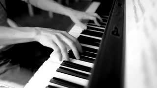 موسیقی آرام  بخش پیانو از Ludovico Einaudi  ـ  Nuvole Bianche