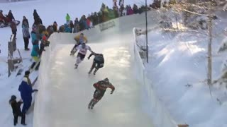 مسابقه هیجان انگیز اسکی روی یخ