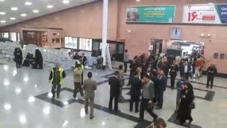 خانواده های مسافران هواپیمای تهران یاسوج در فرودگاه یاسوج