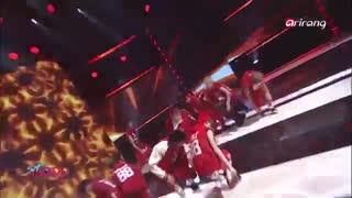 اجرای Wolf از Exo