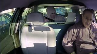 دزد نابغه که حواسش نبود پلیس پشتشه