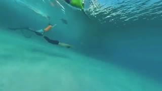 رکورد طولانی ترین مسافت شنا بدون نفس گرفتن