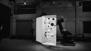 ساخت تصاویر فوق العاده با کمک ربات و پروژکتور (بدون جلوه های ویژه)