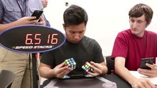 رکورد حل 2 مکعب روبیک به طور همزمان