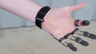 انگشتان مصنوعی مکانیکی که کارهای روزمره را برای معلولین راحت تر میکند