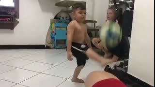 روپایی زدن فوق العاده پسر بچه (یاد بگیرین)