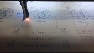 برش لیزری پلکسی گلاس با دستگاه لیزری مخصوص