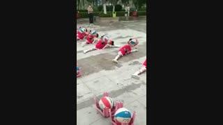 حرکات جالب ورزشی بچه ها