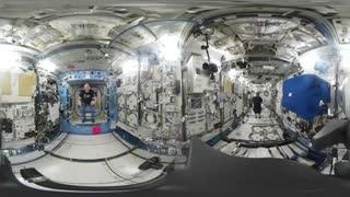 تلاش فضانوردان برای بازی فوتبال در ایستگاه فضایی
