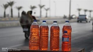 اتفاق عجیب در یک پمپبنزین در ایران | ۳ لیتر بنزین در بطری ۱.۵ لیتری جا شد!
