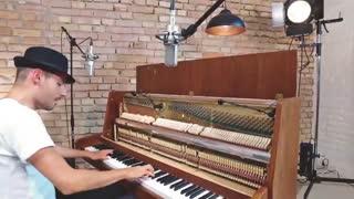 نواختن آهنگ دسپاسیتو با پیانو