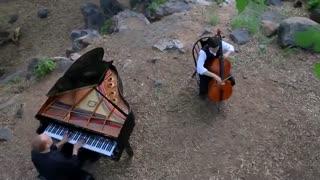 کاور قطعه زیبای یک هزار سال با پیانو و ویلن سل