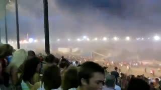 حوادث : طوفان قدرتمند که باعث نابودی کنسرت شد