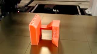 با پازل مکعبی که از پرینتر سه بعدی ساخته شده، سرگرم شو!