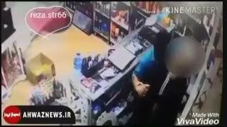 تجاوز به دختر فروشنده