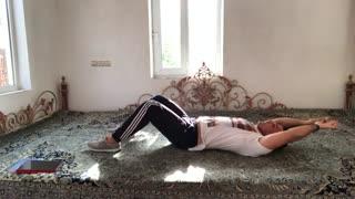 حرکات شکم و پهلو long arm crunches توسط مهدی میرزایی از سایت  http://trxplus.vip/