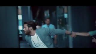 Can Yaman & Demet Özdemir -2 Dakika Konuşalım Mı