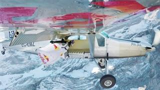 سقوط آزاد از بالای کوه به داخل هواپیما