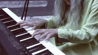 پیانویست خیابان ناتالی Trayling - در میان مردم