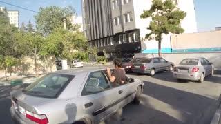 یه پارکور کار چه جوری میره داخل ماشین؟ / تمیم سعیدی